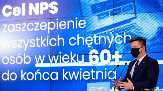 Minister Dworczyk zapowiedział, że w ciągu najbliższych dwóch tygodni do punktów szczepień w całej Polsce trafi łącznie ponad 2 mln szczepionek.