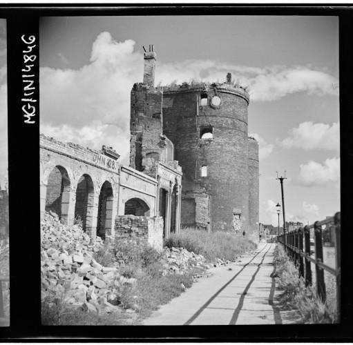 Ruiny Żurawia przy Długim Pobrzeżu.