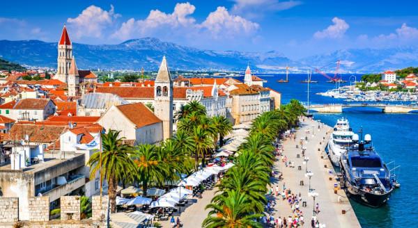Do Splitu w Chorwacji oraz położonego obok lotniska Trogiru polecimy od 17 czerwca.