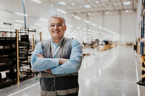 - Zakład w Gdańsku ma szansę zostać największą fabryką systemów magazynowania energii w Europie. Ponadto będziemy mieli duże znaczenie dla realizacji celów oraz założeń biznesowych Northvolt jako grupy, a także zleceń o wartości 27 mld dolarów - twierdzi Robert Chryc-Gawrychowski z Northvolt Polska.