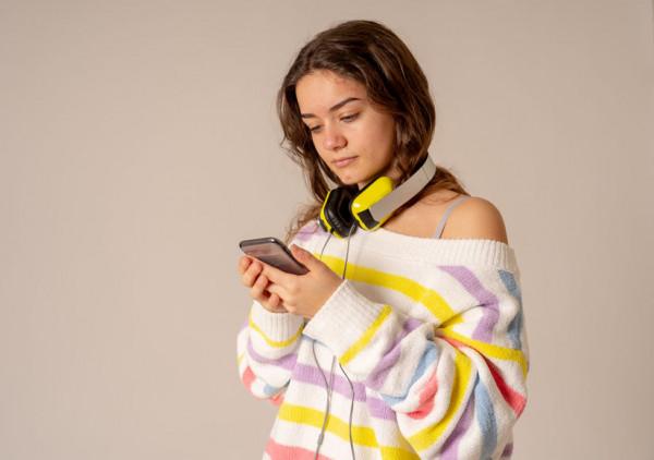Polska młodzież uwielbia muzykę - tak wynika z najnowszego badania Narodowego Centrum Kultury. Aż 97 procent młodych osób twierdzi, że słucha muzyki.
