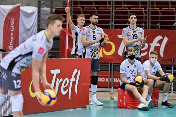W czwartek Trefl Gdańsk po raz ostatni zagra w obecnym składzie. Po sezonie mają odejść m.in. Marcin Janusz (nr 5) i Seweryn Lipiński (nr 19).