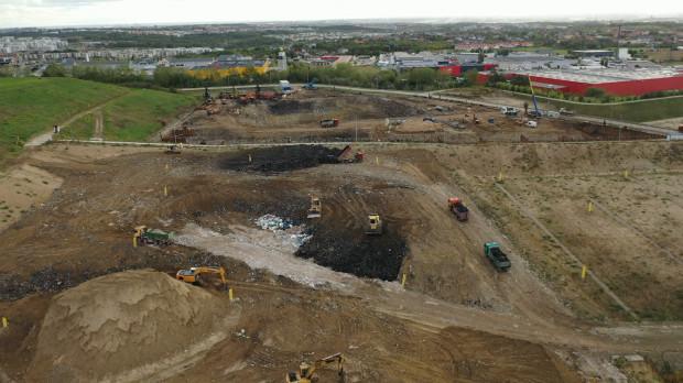 Wymiana gruntów pod budowę spalarni. Zdjęcie z września ubiegłego roku.