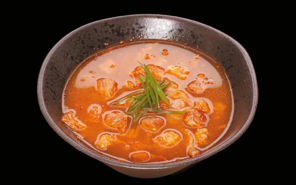 Zupa o lekko ostrawym smaku znakomicie oddaje klimat lokalnej kuchni koreańskiej.
