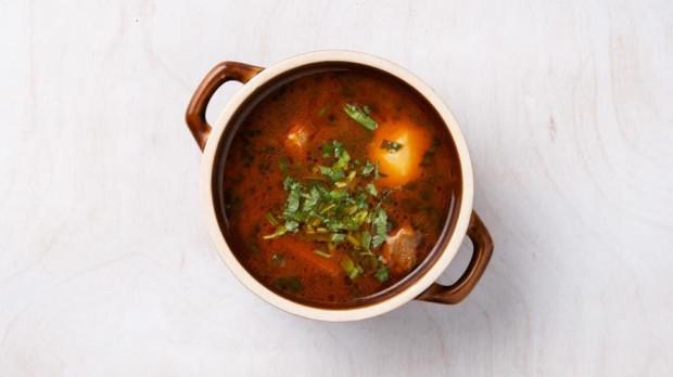 Kuchnia kaukaska zdecydowanie stworzona jest dla miłośników ostrych, aromatycznych i sycących dań.