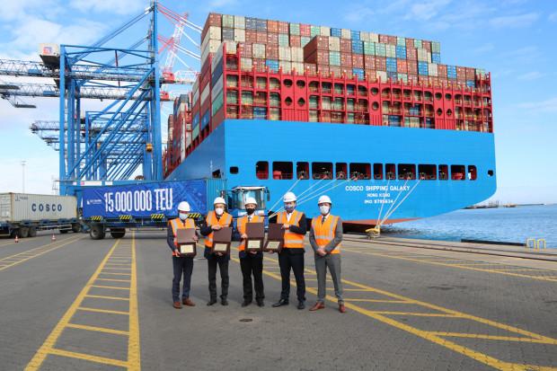 Terminal DCT obsługuje ponad 600 statków rocznie, w tym 100 zawinięć największych kontenerowców świata.