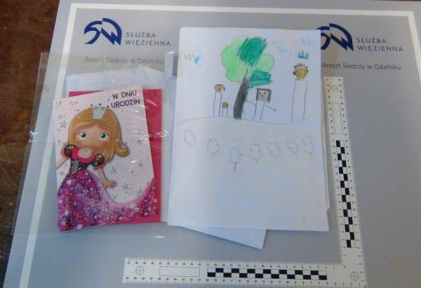 Niewinnie wyglądająca kartka i rysunek od dziecka naprawdę skrywały psychodeliki.