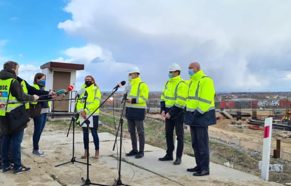 Władze Zakładu Utylizacyjnego i Portu Czystej Energii stoją na stanowisku, że wszelkie prace przy budowie spalarni prowadzone były zgodnie z prawem.