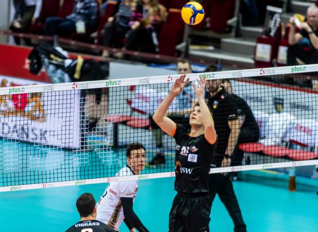 Lukas Kampa (na zdjęciu) to główny kandydat do wzmocnienia rozegrania Trefla po spodziewanym odejściu Marcina Janusza. Do Gdańska może trafić jako mistrz Polski.