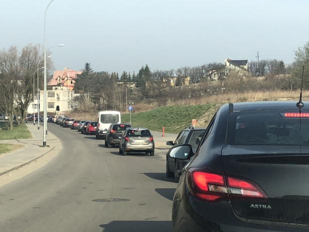 Tak w godzinach szczytu wygląda ul. Cedrowa w kierunku ul. Kartuskiej.