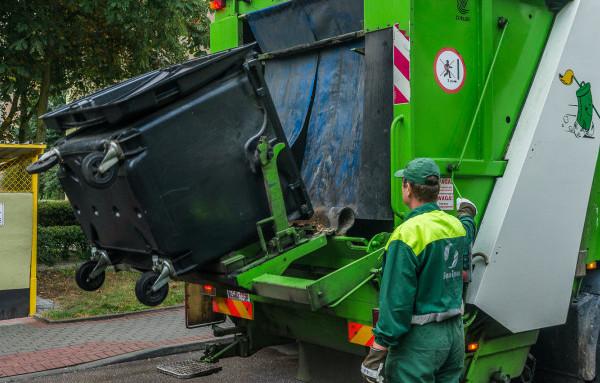W Gdyni śmieci wywożą cztery firmy.