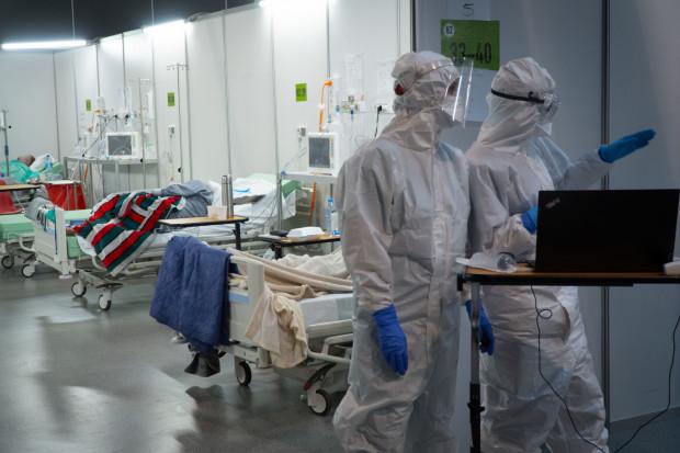 O tym, że w Gdańsku powstanie drugi szpital tymczasowy dla pacjentów zakażonych koronawirusem SARS-CoV-2, zdecydowano jeszcze jesienią ubiegłego roku.