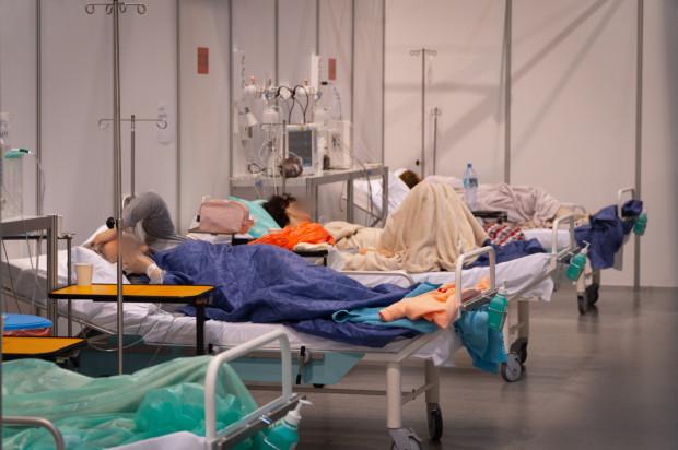 Gdański szpital tymczasowy ulokowany w centrum kongresowo-wystawienniczym AmberExpo docelowo może przyjąć nawet 400 pacjentów zakażonych koronawirusem.