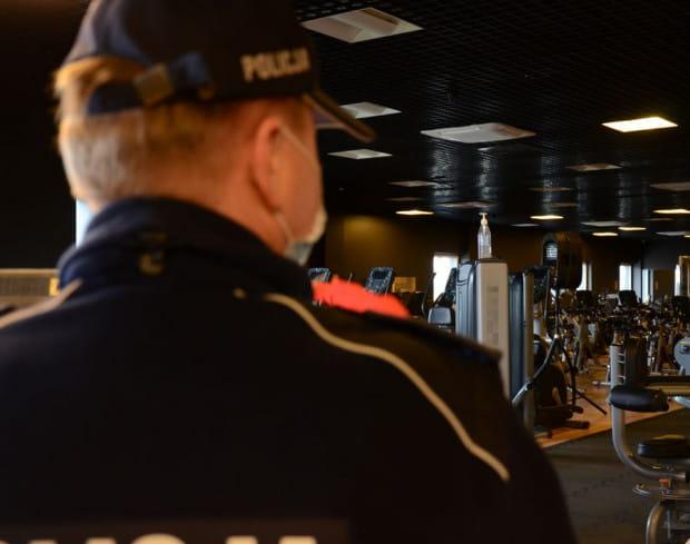 Ze 182 klubów fitness i siłowni, gdzie prowadzone były kontrole, w sześciu policjanci natknęli się na ćwiczące osoby.