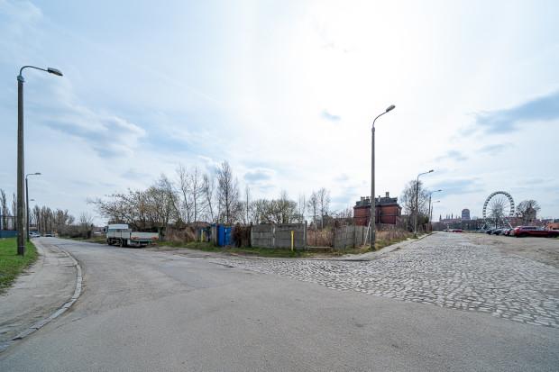 Skrzyżowanie ulic Długa Grobla i Na Stępce.