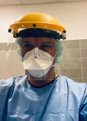 Dr Rafał Cudnik, dyrektor szpitala tymczasowego w Gdańsku.