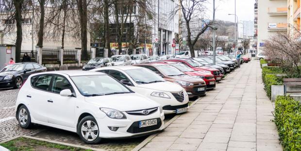 Mieszkańcy, ale także wynajmujący mieszkanie w Gdyni i rozliczający tam PIT, mogą zakupić abonament parkingowy na preferencyjnych warunkach.