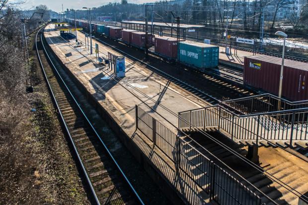 Przez prace w okolicach Orłowa pasażerowie muszą przygotować się na utrudnienia w kursowaniu SKM przez pięć najbliższych weekendów.