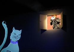 """Koty może i za często wchodzą psom w drogę, ale bez nich pieskie życie oznaczałoby zupełnie co innego. """"Pies z kulawą nogą"""" w Teatrze Miejskim 6 grudnia o godz. 11."""