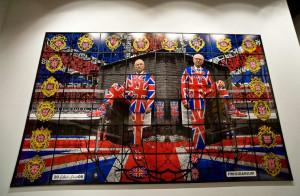 """""""Union Jack"""", czyli flaga brytyjska jest motywem przewodnim cyklu """"Jack Freak Pictures"""" autorstwa Gilberta i Georga."""