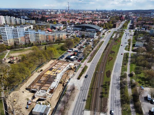 Budynek na wynajem przy al. Rzeczypospolitej zacznie niedługo wychodzić z ziemi. Jego budowa ma się zakończyć jeszcze w tym roku.