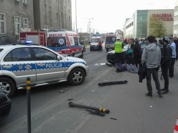 W 2015 roku zderzyły się trzy samochody we Wrzeszczu. W zdarzeniu uczestniczyło też troje rowerzystów. Utrudnienia w ruchu trwały ponad dwie i pół godziny.