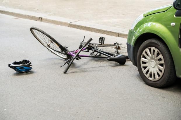 Według statystyk policji w 2020 roku liczba wypadków drogowych z udziałem rowerzystów była niższa niż w 2019.
