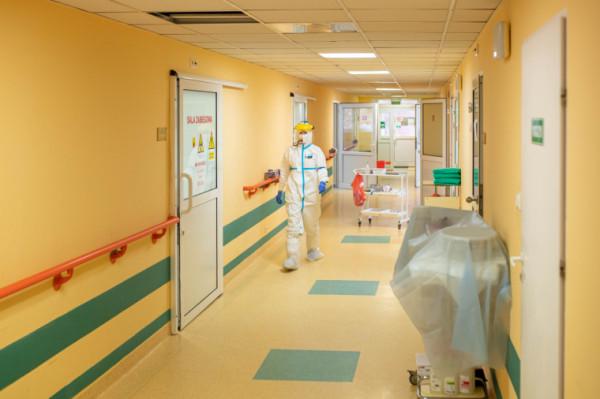 Poprawa sytuacji epidemiologicznej wpływa na zwiększające się możliwości szpitali.