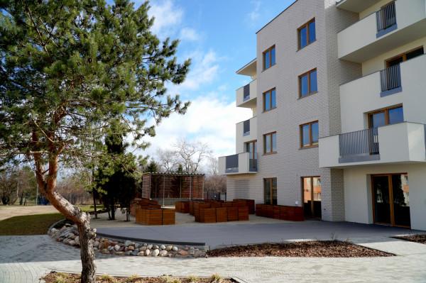 Ostatnio oddany do użytku blok komunalny na Oksywiu ma przestrzenie zewnętrzne, które mają zachęcać do integracji sąsiadów. Kolejny też będzie tak zaprojektowany.