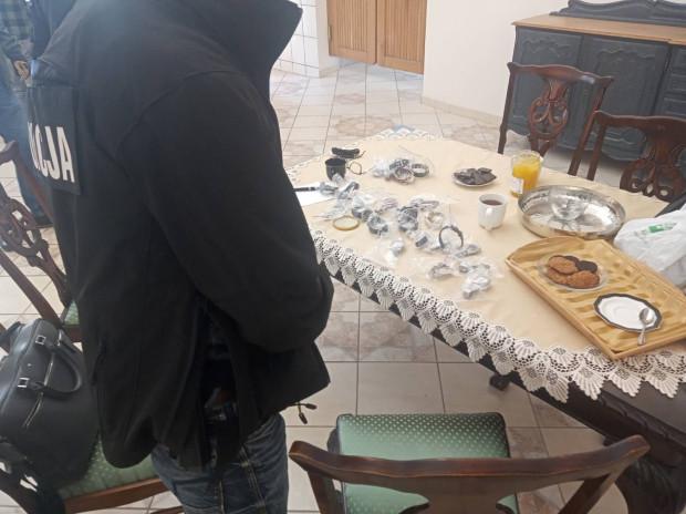 Luksusowe zegarki skradzione w Lipsku, które odzyskali policjanci.