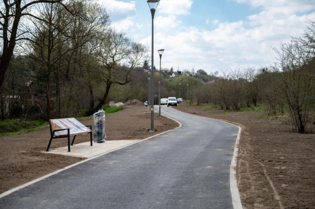 Nowa droga pieszo-rowerowa to ostatni odcinek trasy, która połączy Łostowice i Park Oruński.