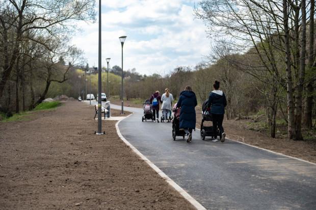 Nowa droga pieszo-rowerowa wzdłuż Potoku Oruńskiego zostanie oddana do użytku na przełomie maja i czerwca.