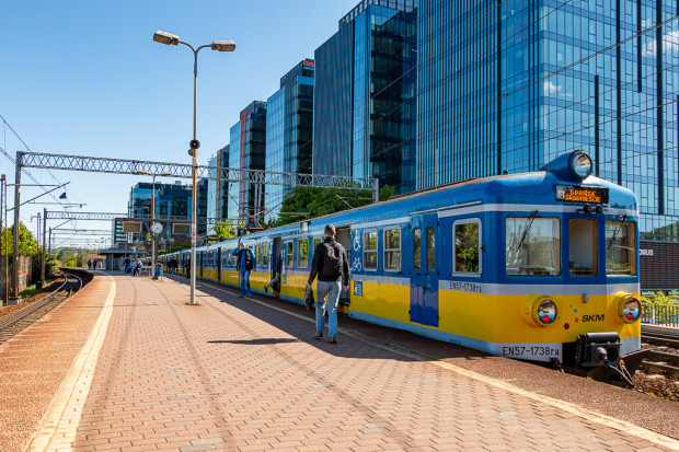 Obecnie średnia wieku wszystkich pociągów SKM to ponad 30 lat.