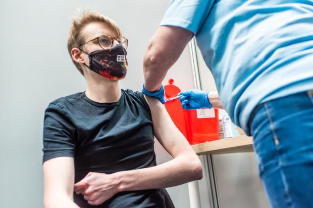 W czwartek pierwsze osoby zostały zaszczepione w hali Gdynia Arena.