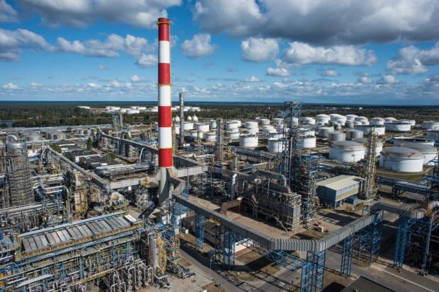 Trwają prace nad wydzieleniem gdańskiej rafinerii Lotosu do odrębnej spółki.