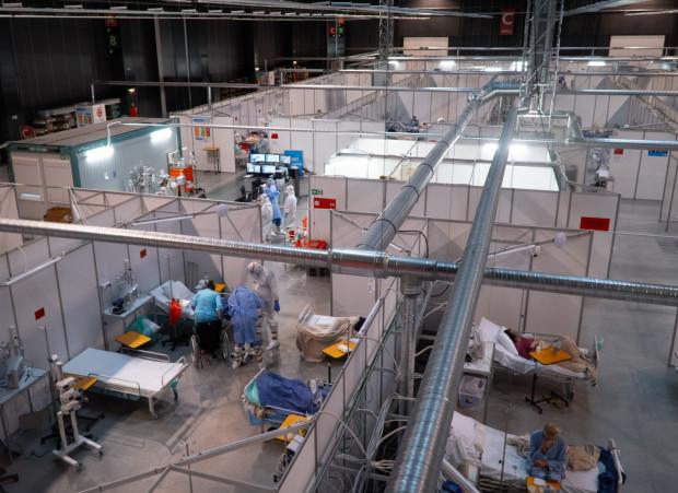 Obecna działalność Szpitala Tymczasowego w halach Amber Expo zostanie zakończona najprawdopodobniej w czerwcu.
