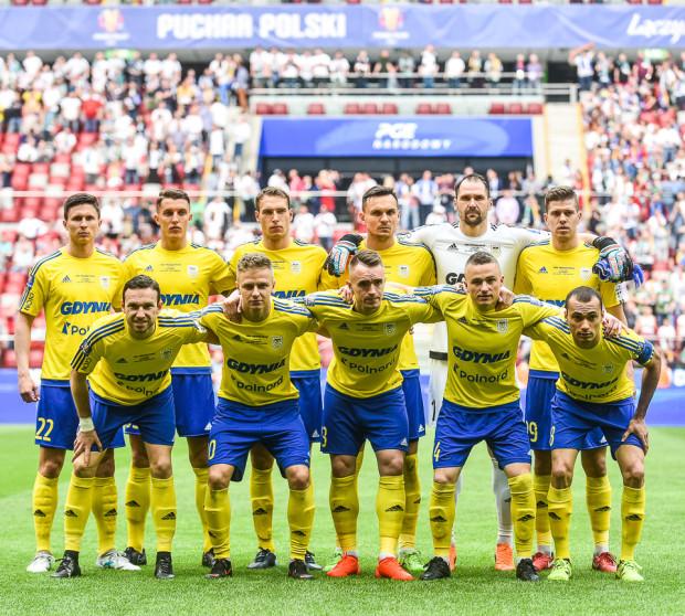 Arka Gdynia przed finałem 2018. Z tej ekipy ponownie o Puchar Polski mogą zagrać: Michał Marcjanik i Marcus (pierwsi z prawej na zdjęciu).