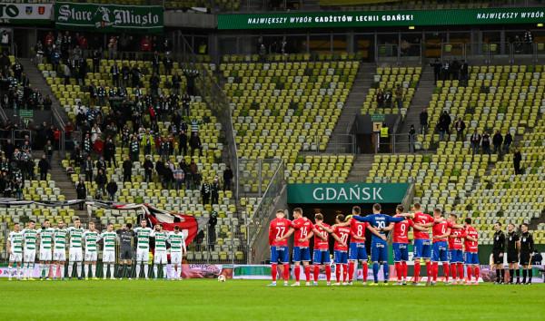 Lechia Gdańsk wraca do gry o europejskie puchary, gdyż Raków Częstochowa zdobył Puchar Polski, a że jest również w najlepszej trójce ekstraklasy, to do występów na międzynarodowej arenie zwolniło się miejsce dla czwartej drużyny tabeli.
