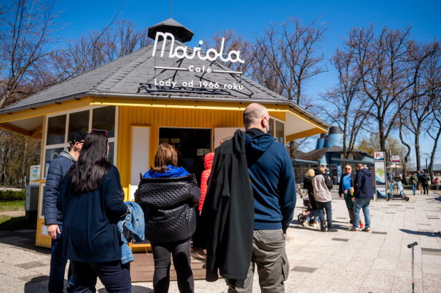 Lodziarnia Mariola Cafe w Gdyni nie narzekała w pierwszy majowy weekend na brak klientów.