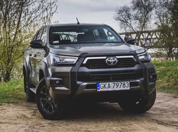 Nowa Toyota Hilux 2021.
