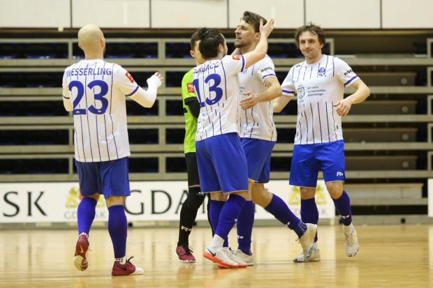 Futsaliści AZS UG Gdańsk wygrali pierwszy barażowy mecz z Sośnicą Gliwice i są o krok od awansu do ekstraklasy.
