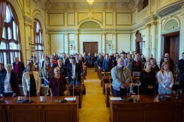 Obecni radni dzielnic zostali wybrani i złożyli ślubowanie w 2019 roku.