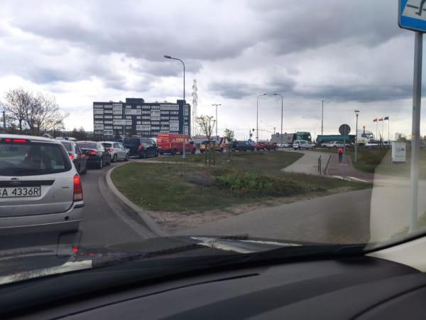 Paraliż Letnicy, zablokowane rondo im. Mazowieckiego i wjazd do tunelu pod Martwą Wisłą to codzienność od rozpoczęcia prac remontowych.