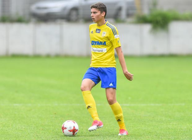 Maksymilian Hebel to wychowanek SI Arka Gdynia. Od 2016 roku nie było miejsca w pierwszej drużynie, choć kilkakrotnie podejmował w niej treningi. W końcu pożegnano się z nim w styczniu 2020 roku.