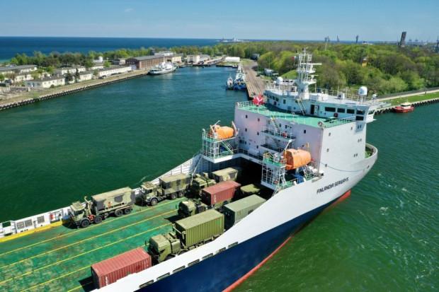 Statek Finlandia Seaways przywiózł m.in. wozy bojowe należące do sił zbrojnych Danii.