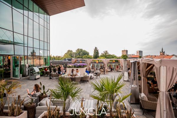 Jungla w Forum Gdańsk szykuje niespodzianki na otwarcie ogródka.