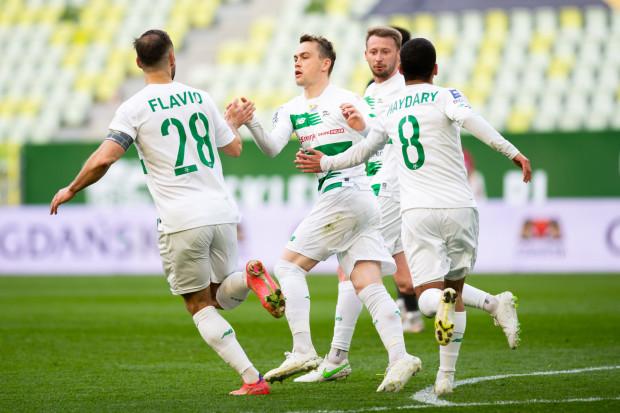 Lechia Gdańsk musi przede wszystkim wygrać z Jagiellonią Białystok, aby bez względu na wyniki na innych stadionach, kończyła sezon w przeświadczeniu, że przynajmniej w ostatniej kolejce zrobiła wszystko to, co do niej należało.