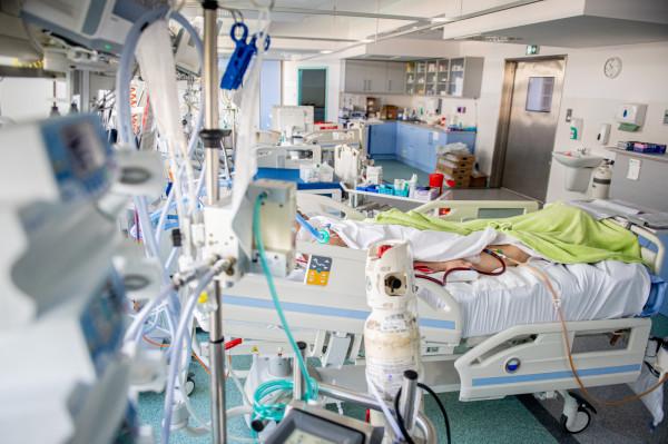 ECMO pozwala zastąpić pracę narządów tylko przez pewien czas - do momentu aż nastąpi poprawa ich funkcji, pozwalająca na samodzielną pracę.