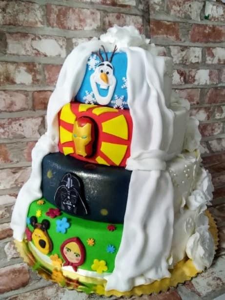 Nietypowe propozycje tortów ślubnych realizowane w Manufakturze Mojej Mamy.