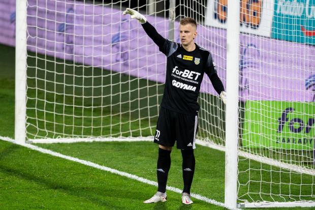 Daniel Kajzer już w 12 meczach Arki Gdynia w Fortuna I liga nie puścił gola. Szczelna defensywa ma być kluczem do awansu do ekstraklasy.